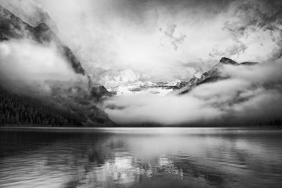 Banff-Lake-Louise-Alberta-hdr-a-mono