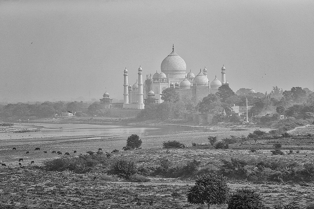 Agra - Agra Fort hdr_mono